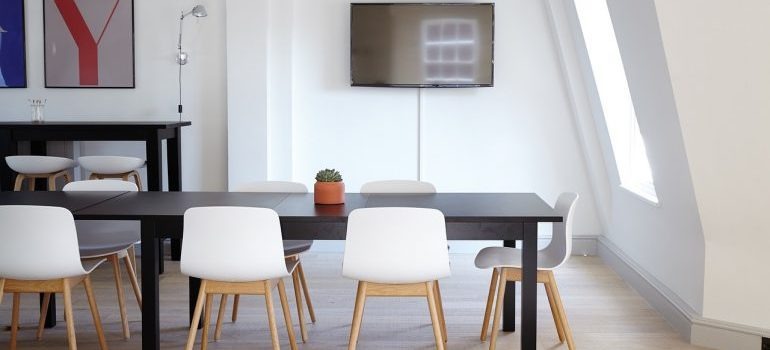 Office furniture for movers Vaughan to relocate.