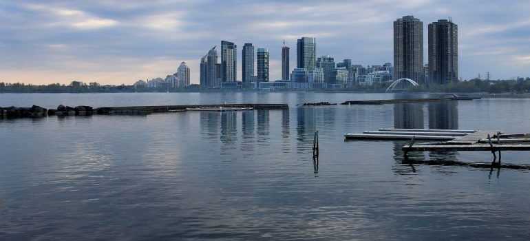 lake ontario - Toronto neighborhoods for raising kids