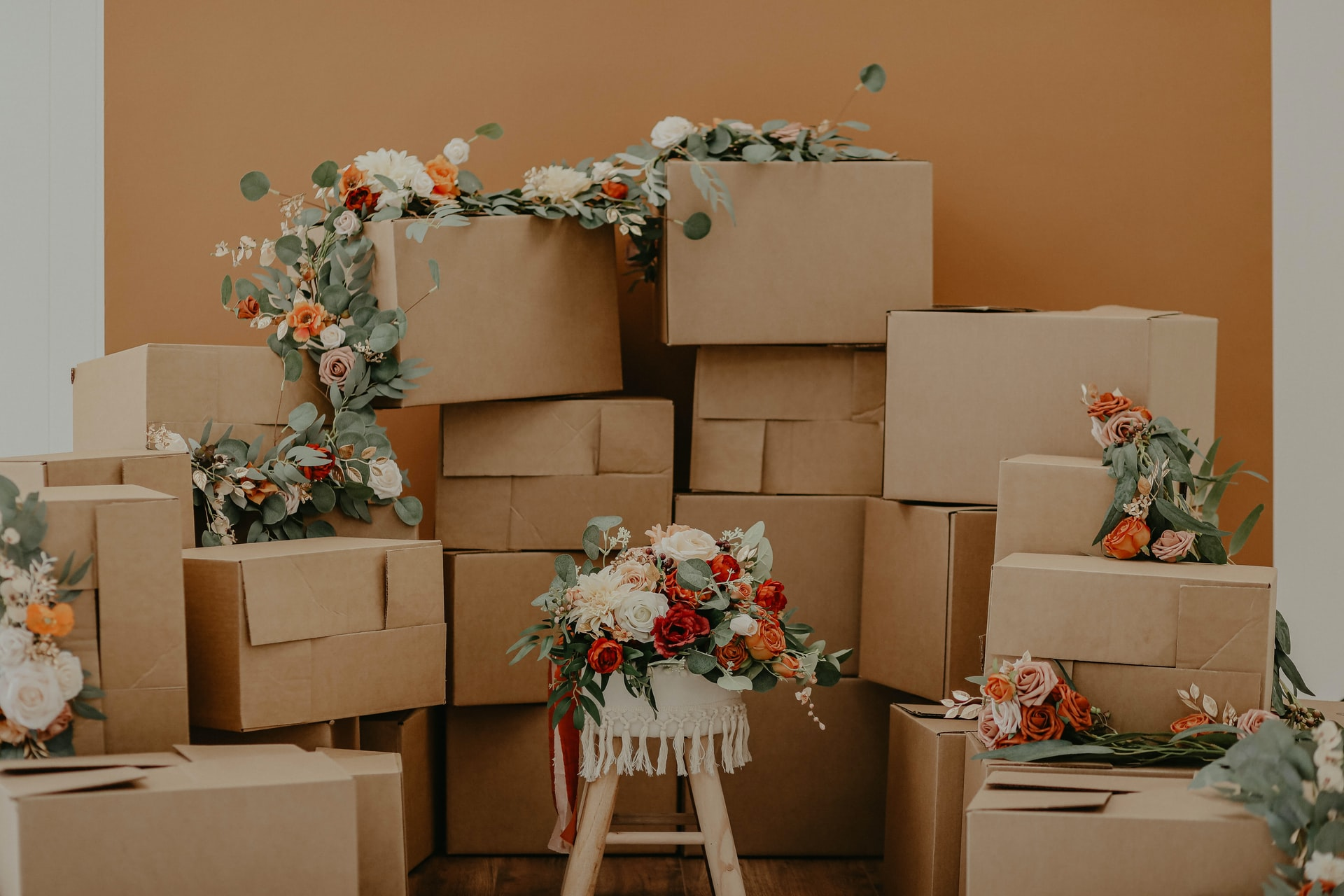 Moving supplies decorated in flowers
