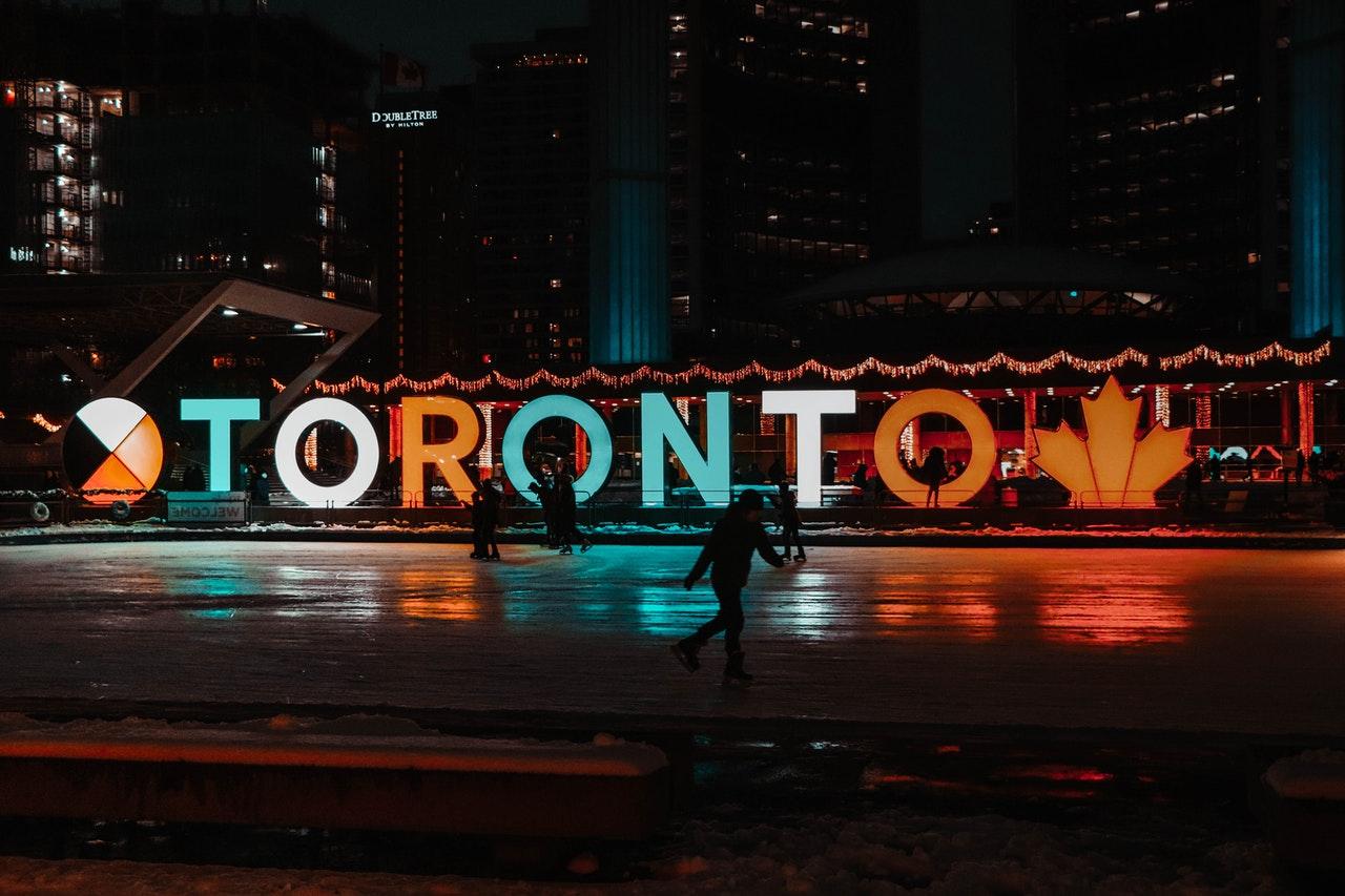 Toronto sigh at night