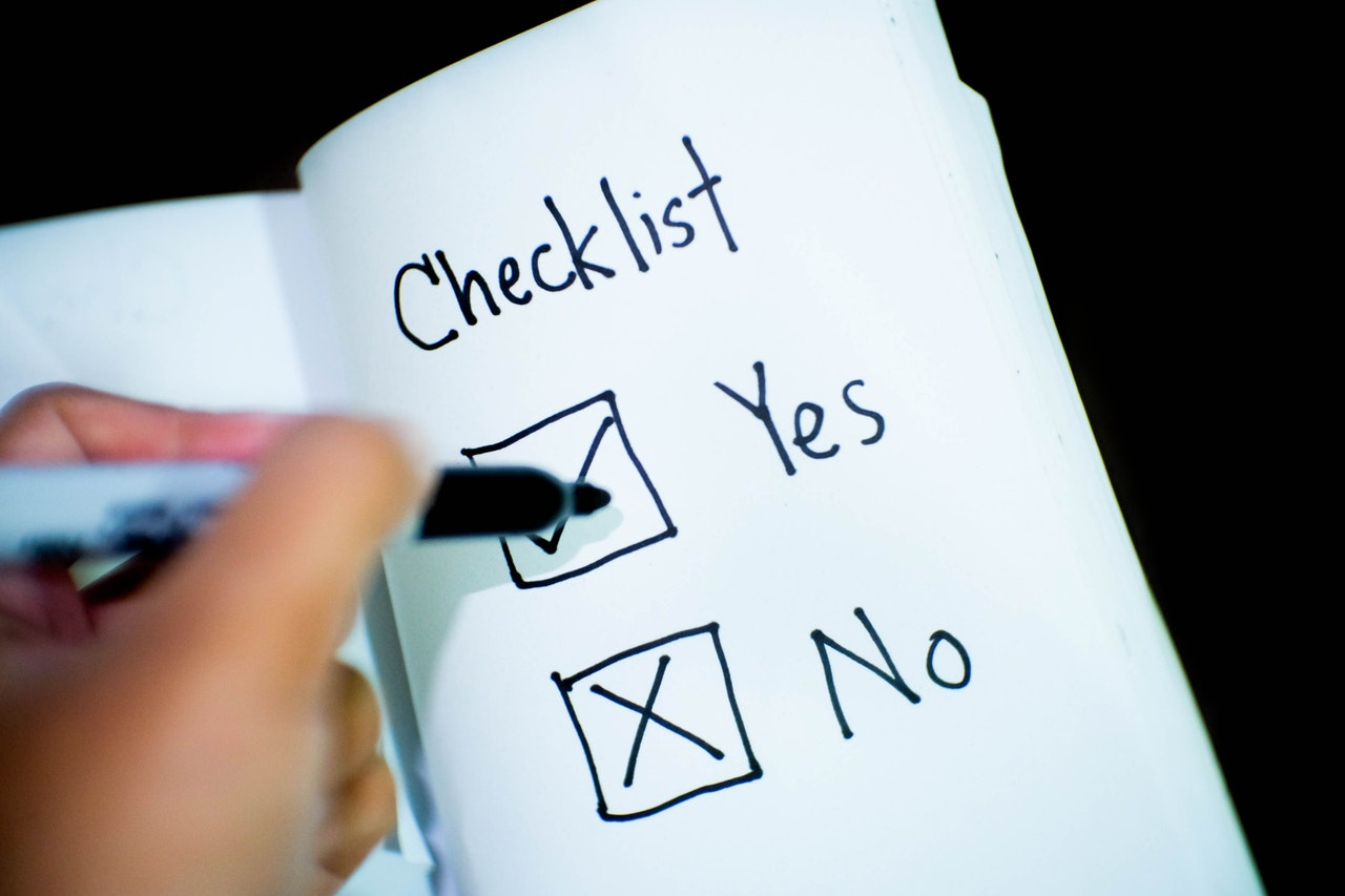 Moving checklist with boxes to fill